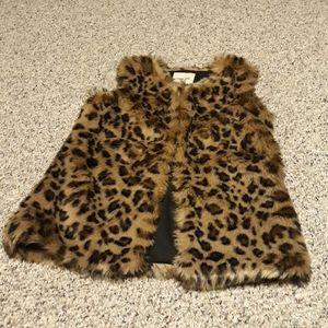 Cherokee leopard vest